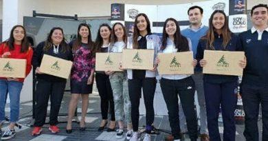 Knop Laboratorios apoya el deporte femenino de la UC y Colo Colo